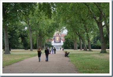 175-400x-Hyde Park